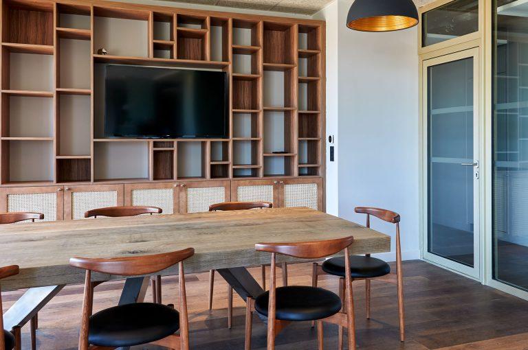 Découvrez les espaces séminaires et coworking de notre hôtel Akena Nantes Aéroport.