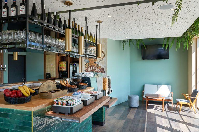 Notre hôtel Akena Nantes Aéroport vous propose un petit déjeuner buffet.